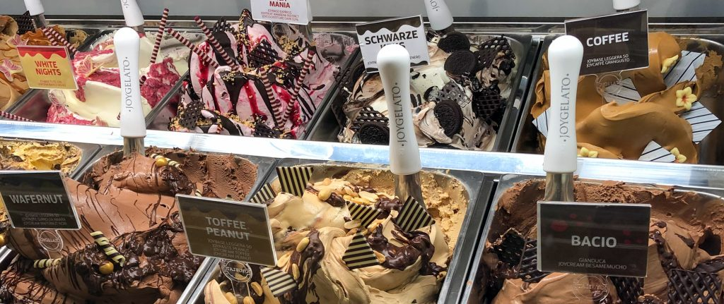 The beautifully decorated ice cream display from Joygelato at the GELATISSIMO 2020 - but unfortunately with many additives
